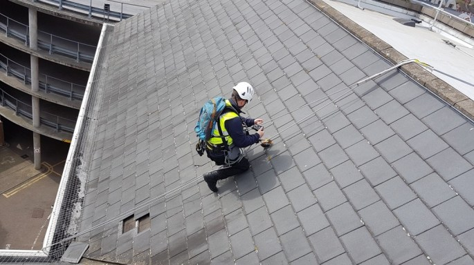 rope access roofing abseiling