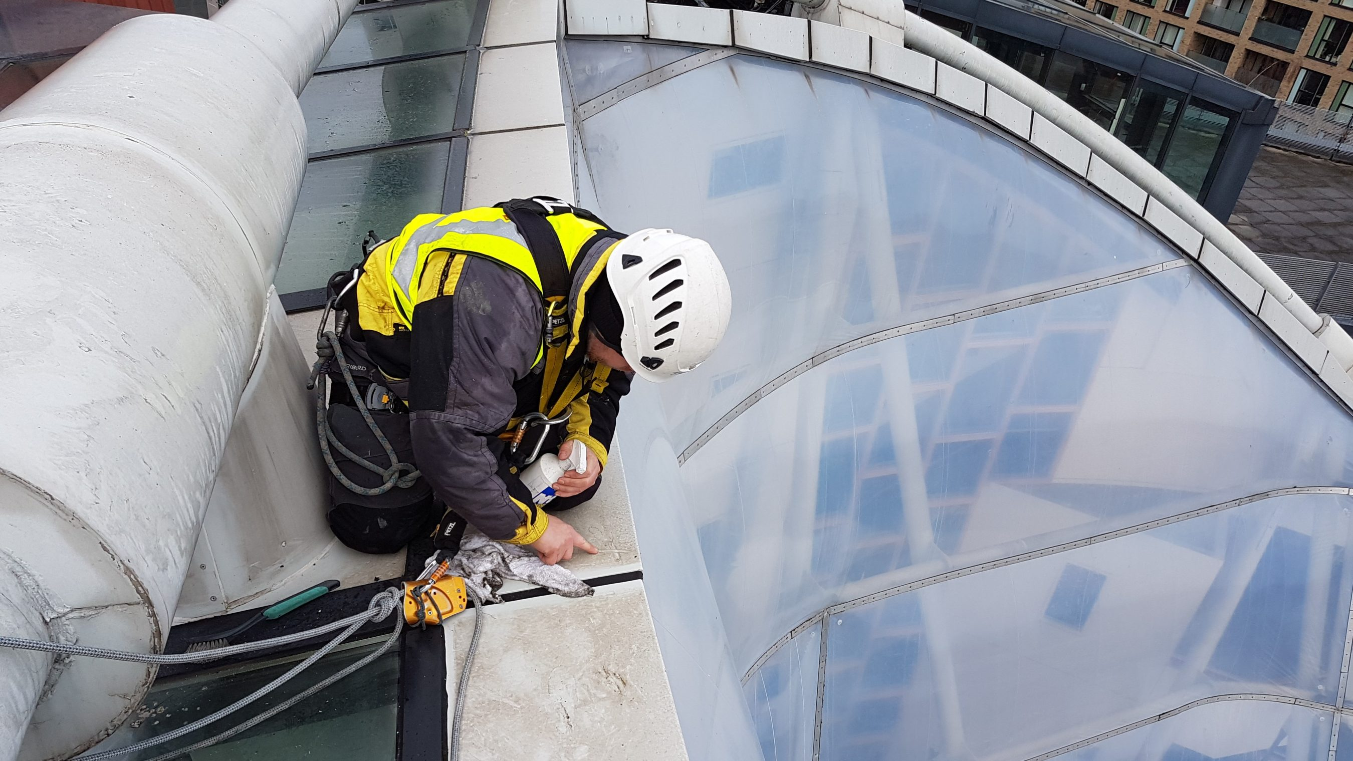 leak detection abseilers