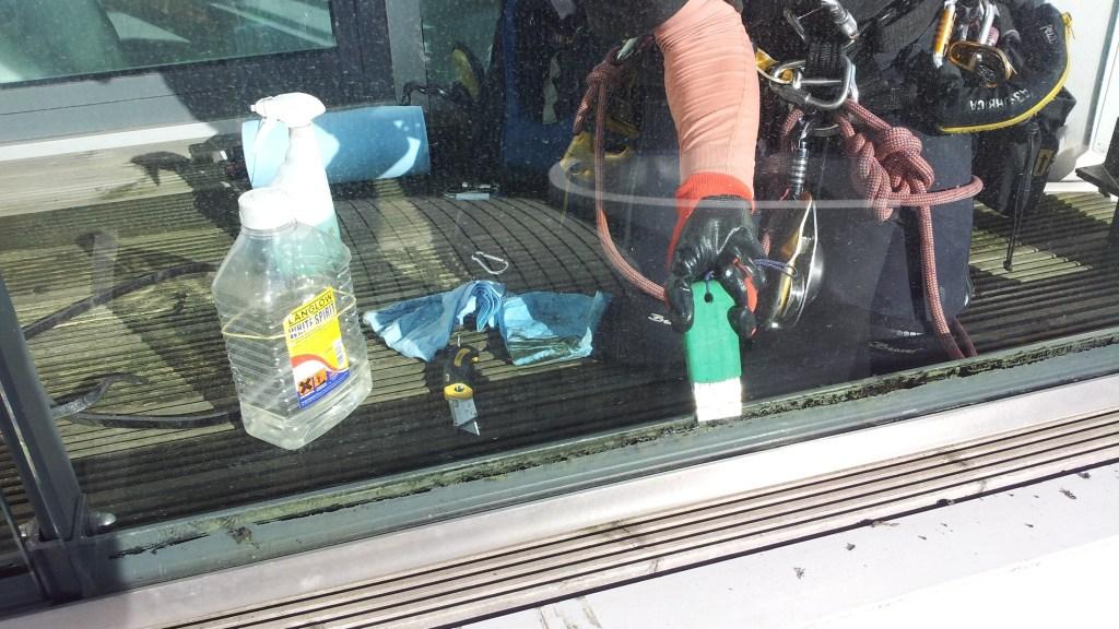 rope access glass maintenance