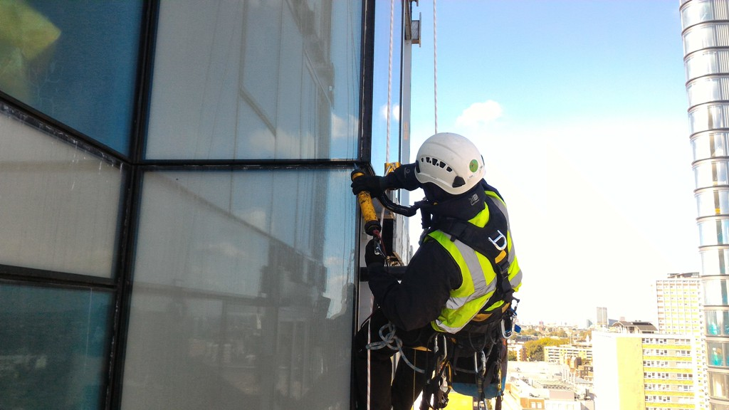 abseil mastic snagging