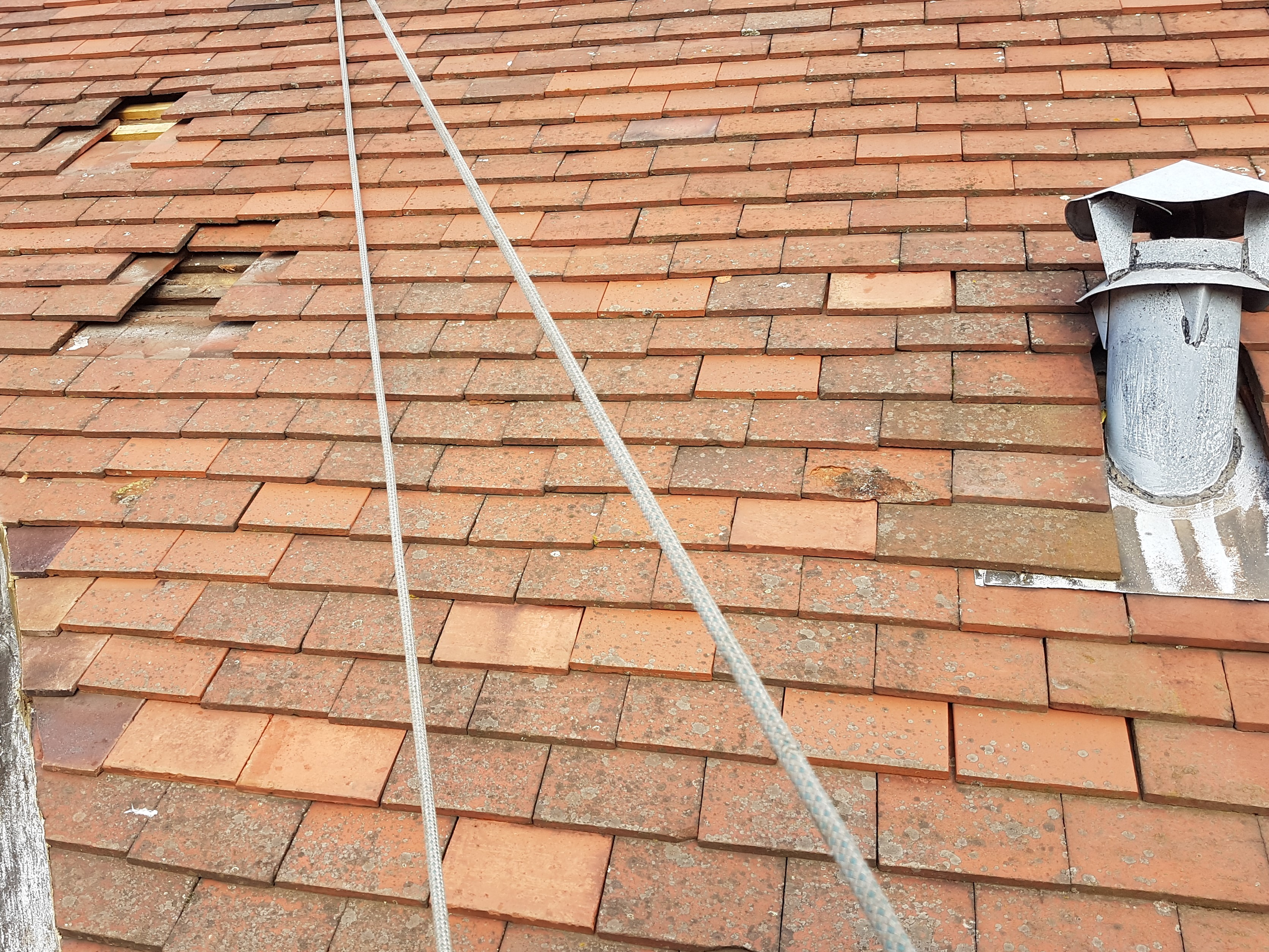 abseiling tiled roof repair