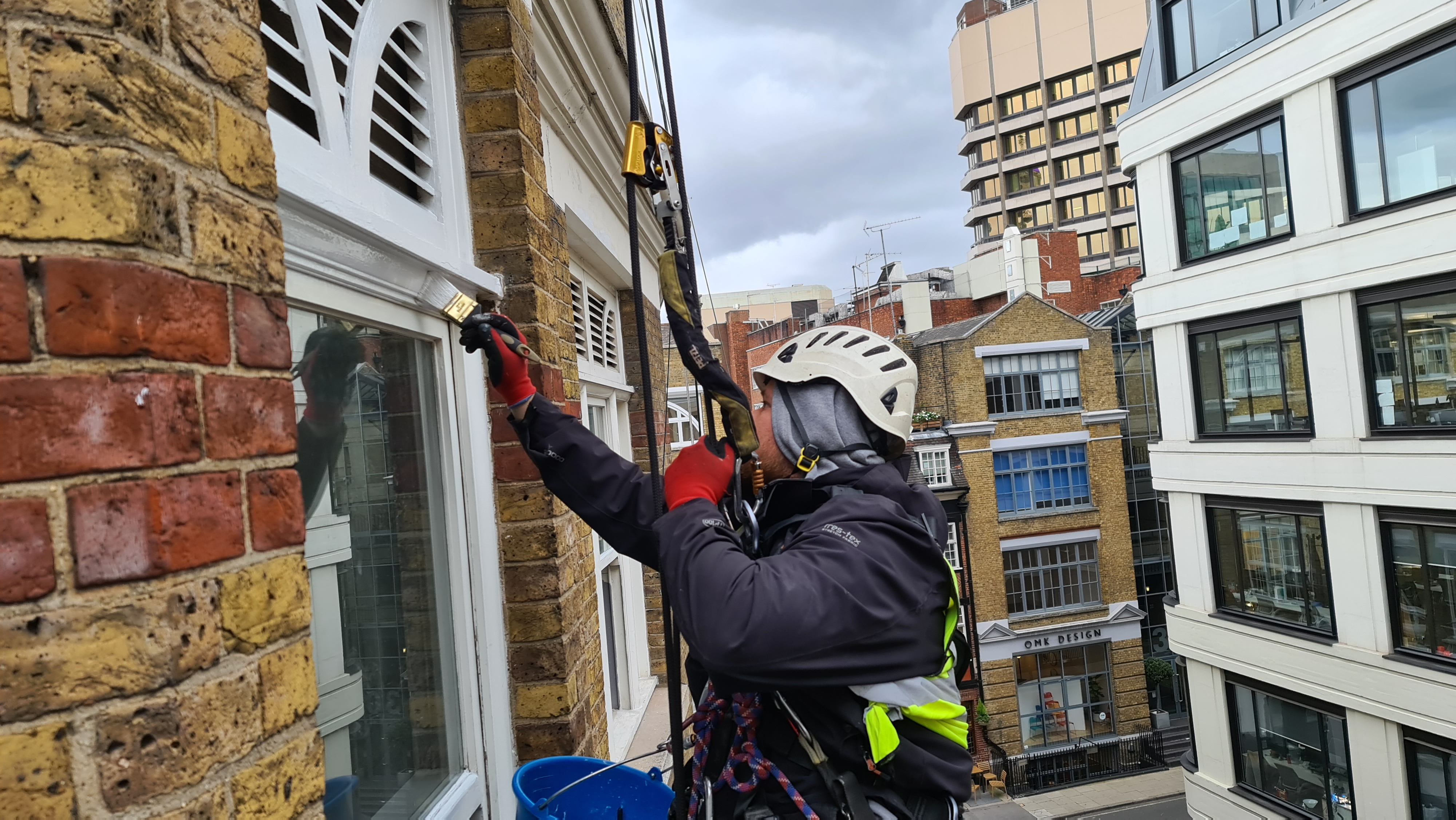 abseiling painting