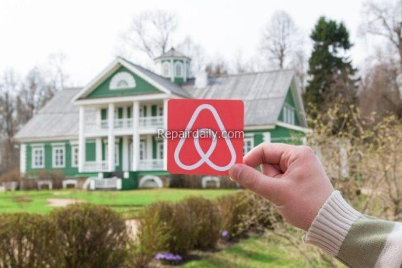 airbnb logo with house