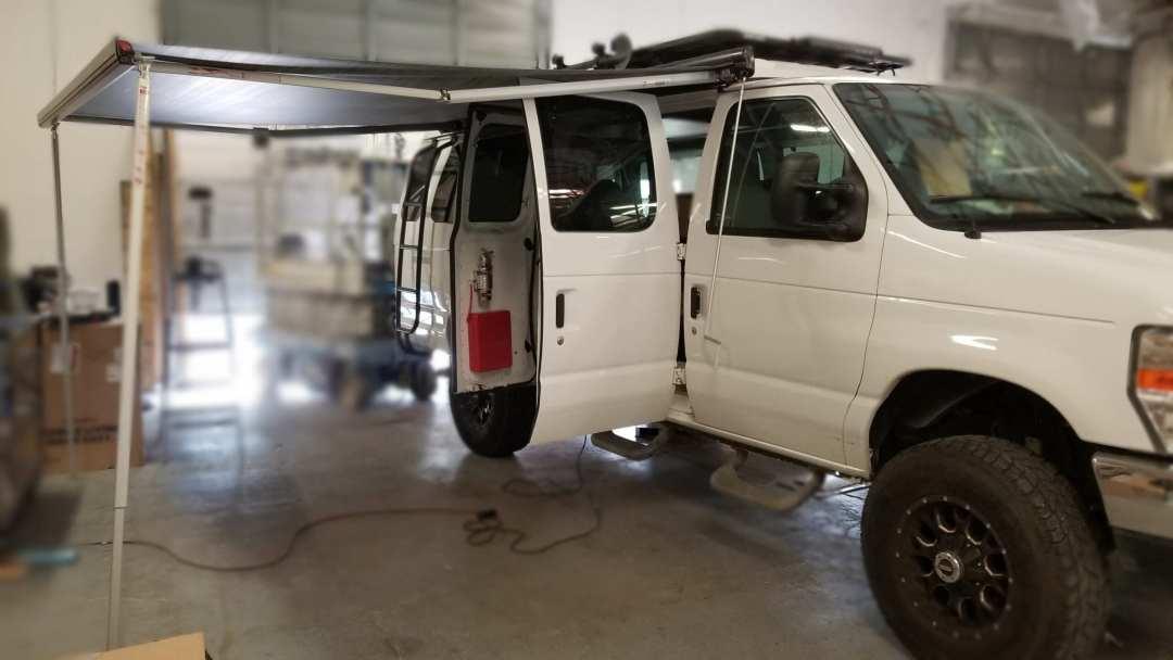 Modern Camper Van interior by Reparadise