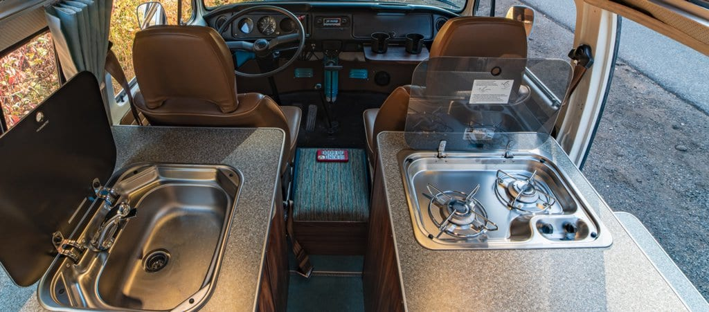 Compact RV Range with glass lid