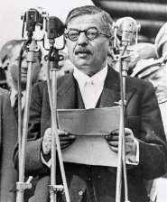Pierre Laval foi o principal chefe do governo francês em Vichy.