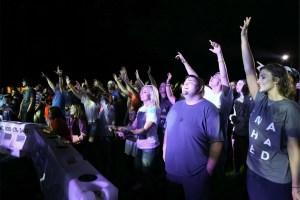 ChurchEventConnect-LP-worship