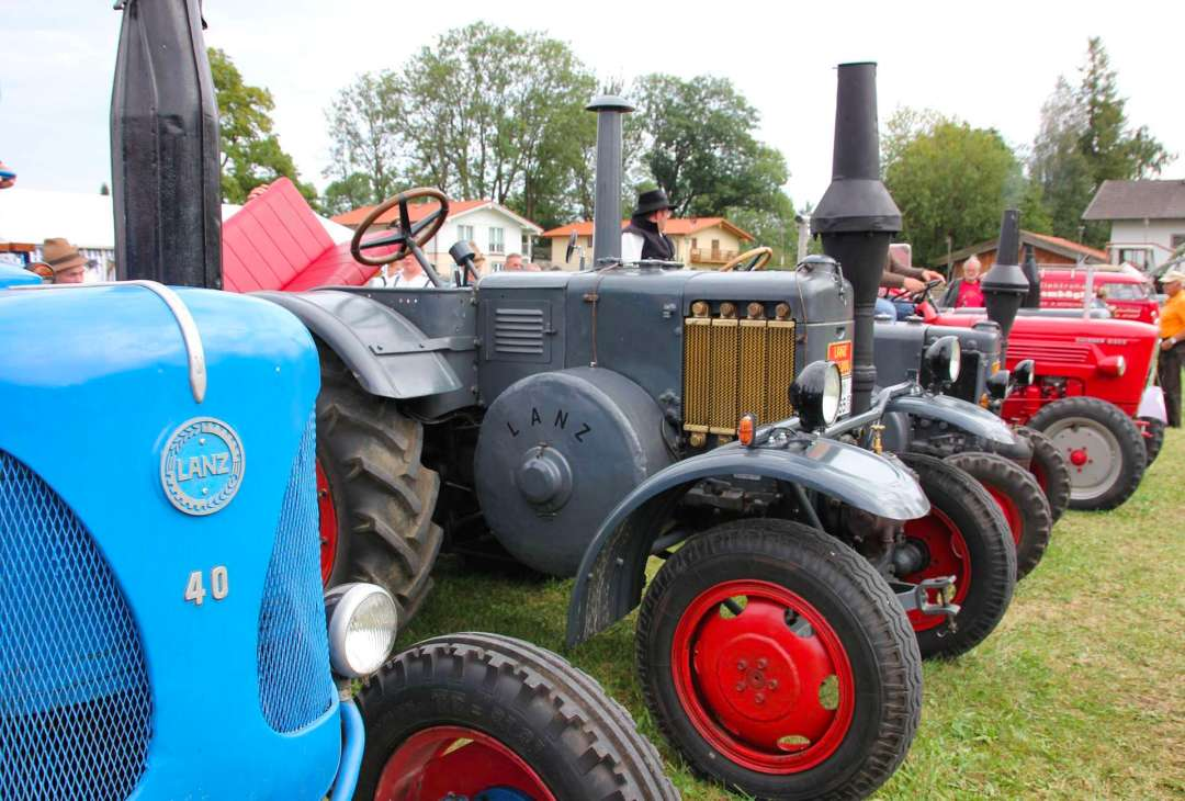 tractor-show-replenish-festival-2021