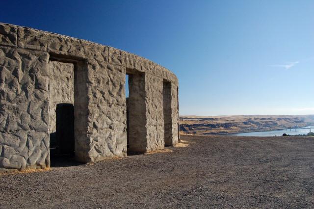 maryhill-stonehenge-war-memorial