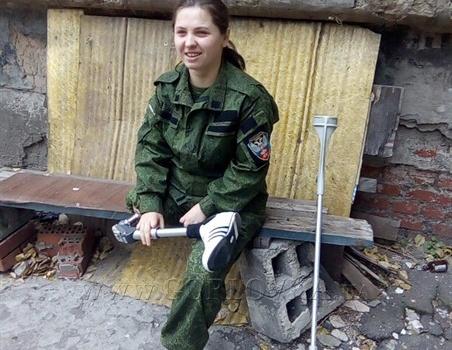 Искалеченную снайпершу «ДНР» кинули «коллеги»