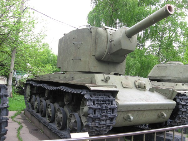 Kv-2_in_the_Moscow_museum_o