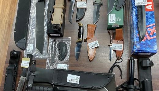 中古ナイフ、特殊警棒入荷しました。