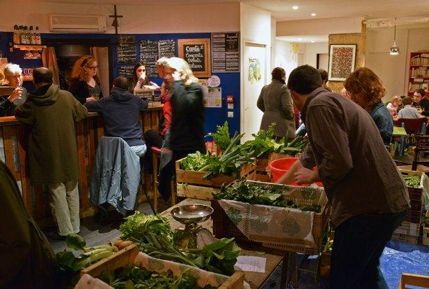 A Aix-en-Provence, le café culturel et citoyen (3C) organise des distributions Amap.