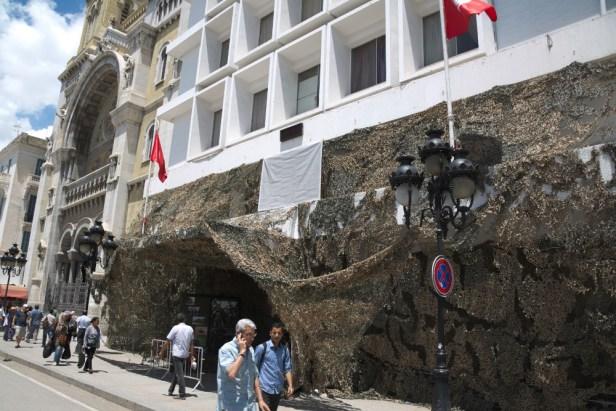L'armée s'expose, sur l'avenue Bourguiba à Tunis, le 20 juin 2016