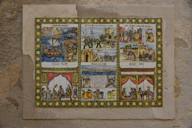 Vignettes céramiques sur les murs de la kasba de Mazara del Vallo