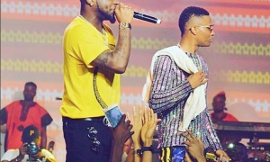 Wizkid and Davido perform together