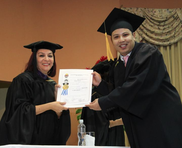 Sabino Gaméz en el Día de su graduación.