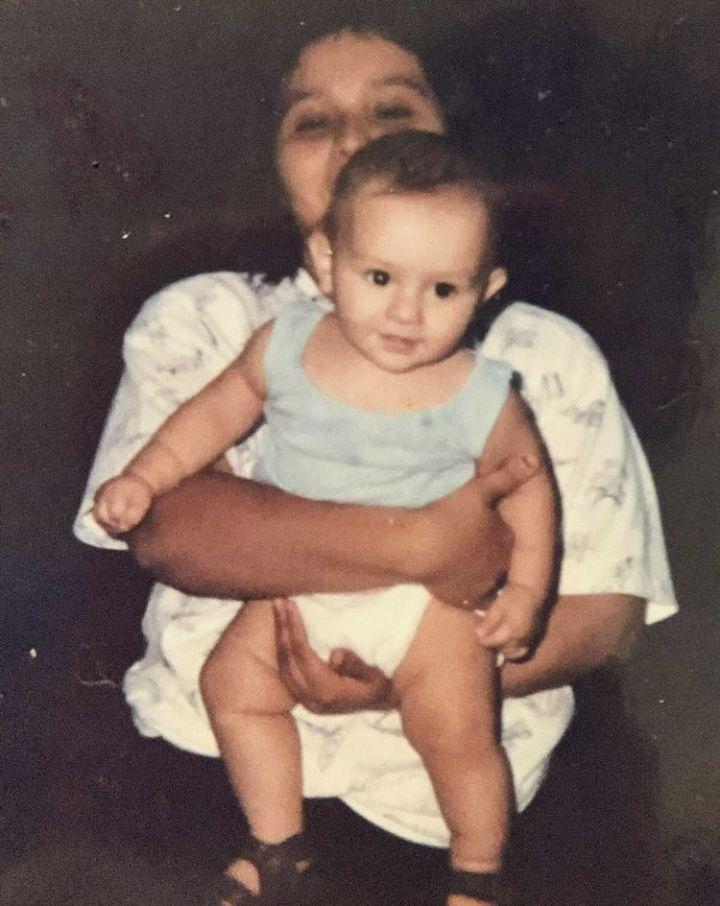 Martha Iris junto a su hijo Óscar Fernando cuando era un bebé. Foto para Reportar Sin Miedo.