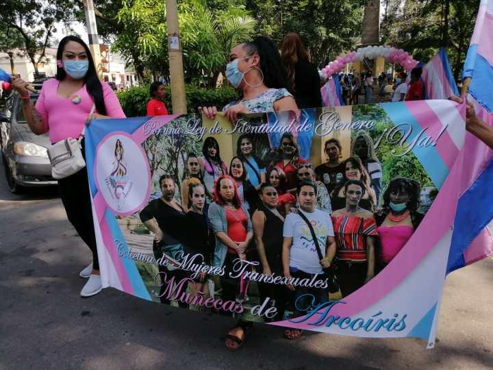 La organización Muñecas de Arcoiris pidió ley de identidad de género en Honduras.