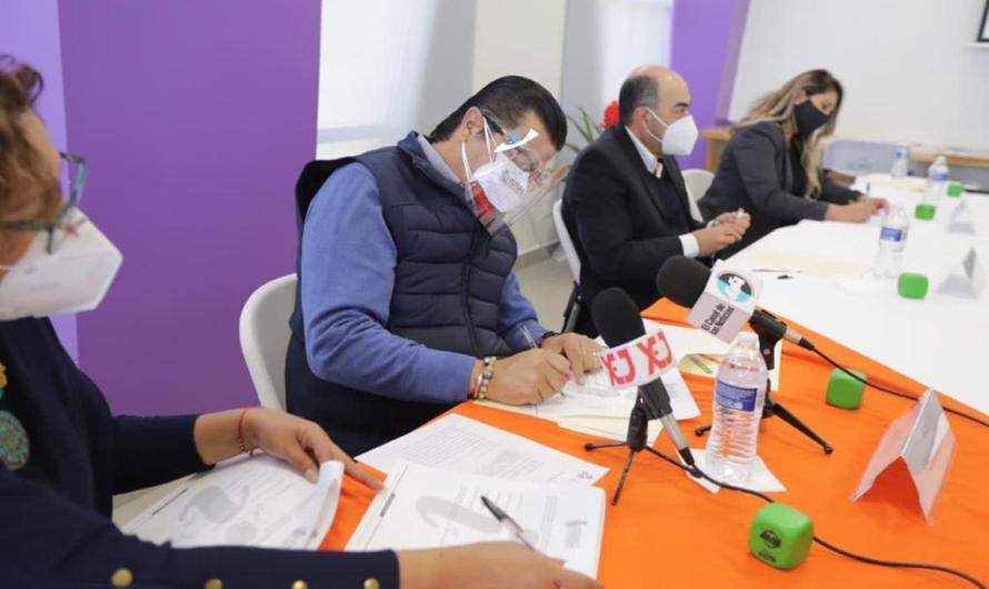 Presidente Municipal firma acuerdo con empresas maquiladoras para difundir información de prevención de la violencia