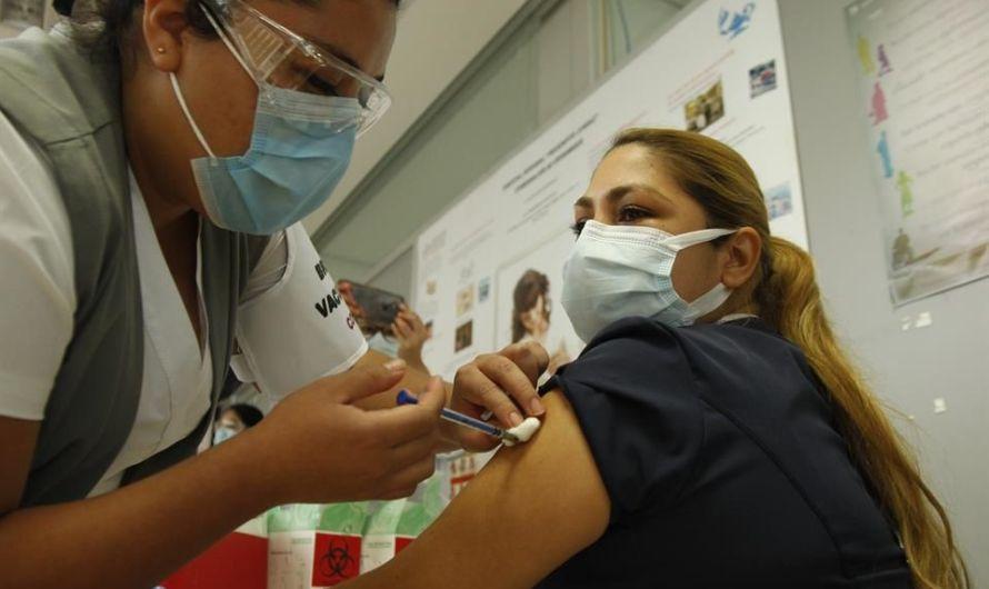 JUÁREZ: Inicia vacunación contra COVID-19 para personal de salud