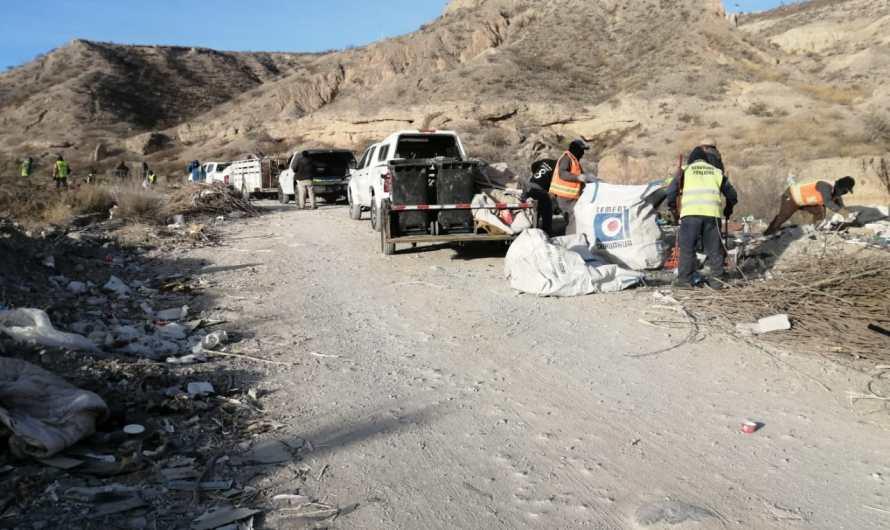 50 toneladas de chingaderas; recolectan basura en Sierra de Juárez