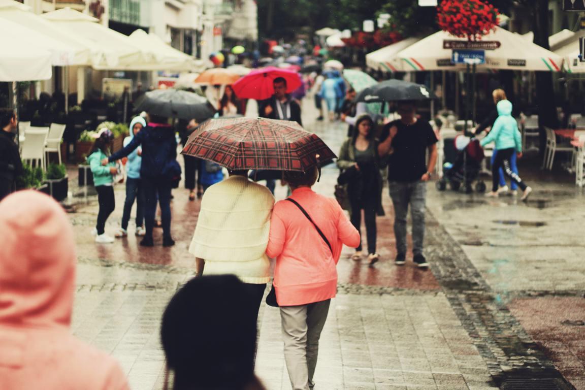 people-umbrella-rain-pedestrian-street-snapshot-1521071-pxhere.com