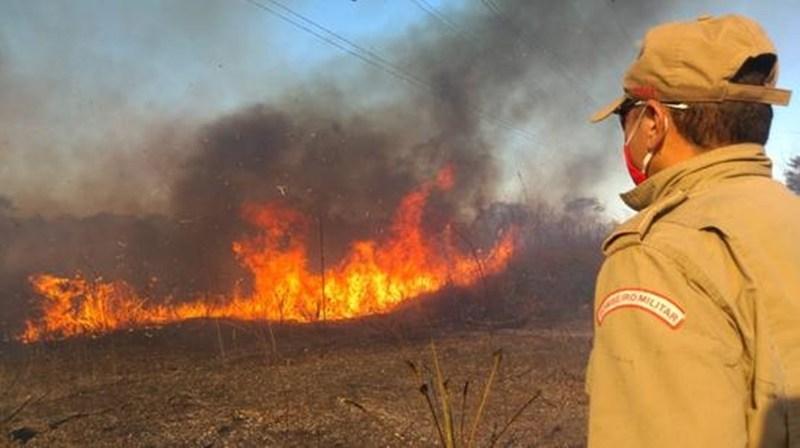 Incendios-bombeiro