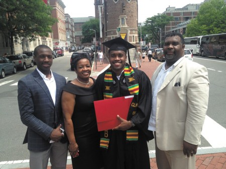 From left, Tylor Scales, member of the Dunwoody Wildcats, mom Theresa, brother Treavor, a former Wildcat, and father Steven.