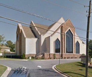The Apostles Church of Sandy Springs building at Glenridge Drive and Hammond Drive in a Google Earth image.