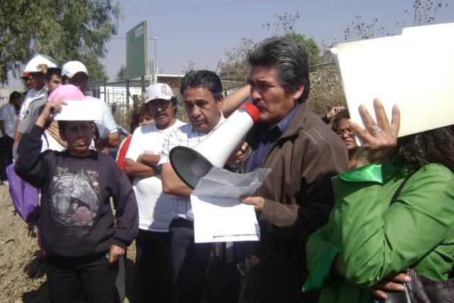 thumbnail_HUEXUSCO. Los Reyes 2006-2009 Mariano Muñoz con megafono.jpg