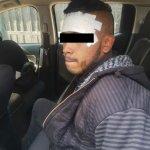 Este sujeto fue detenido por asaltar 20 tiendas de conveniencia en Ecatepec, portaba brazalete penitenciario