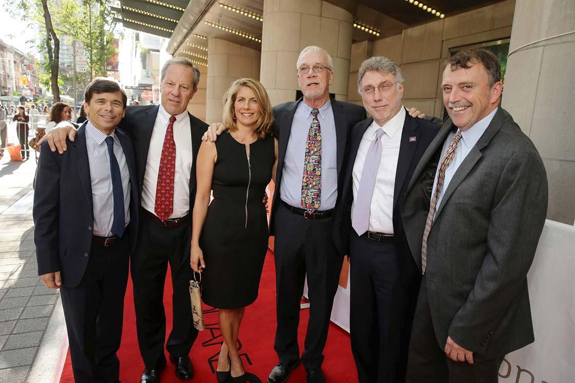 O grupo original de jornalistas.
