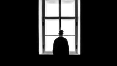 Photo of Quando o pai saiu de casa, a mãe estava à janela