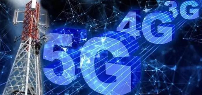 Angry Nigerians burns Telecommunication mast, warns FG against 5G (VIdeo)