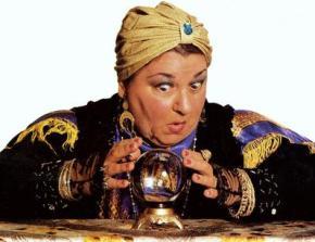 fortune_teller_gypsy_psychic_crysta