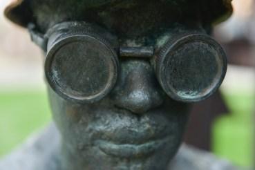 A bronze steelworker