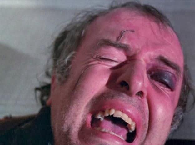 Revenge.1971.DVDRip.XviD.BZ-CG.avi_snapshot_01.25.19_[2012.04.10_20.02.25]