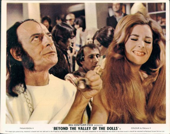 beyond-the-valley-of-the-dolls-still-2