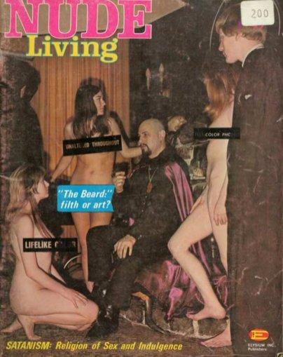 nude-living