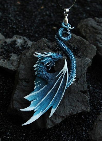 gifts for reptile lovers 2019 - dragon pendant