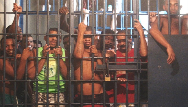 Coronavírus nas cadeias