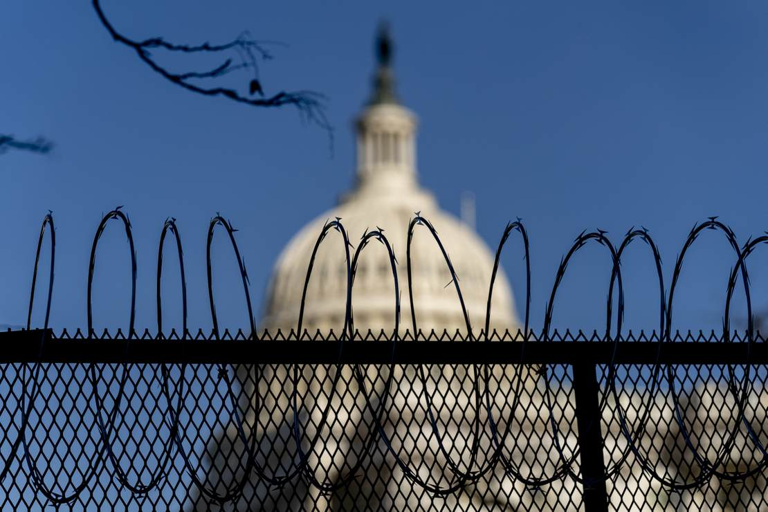 First Came Word Guard Might Be Staying In D.C. For Much Longer, Now There's Word on the Barbed Wire Fencing – RedState