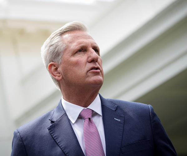 Leader McCarthy, GOP Doctors to Introduce Resolution to Roll Back House Mask Rule