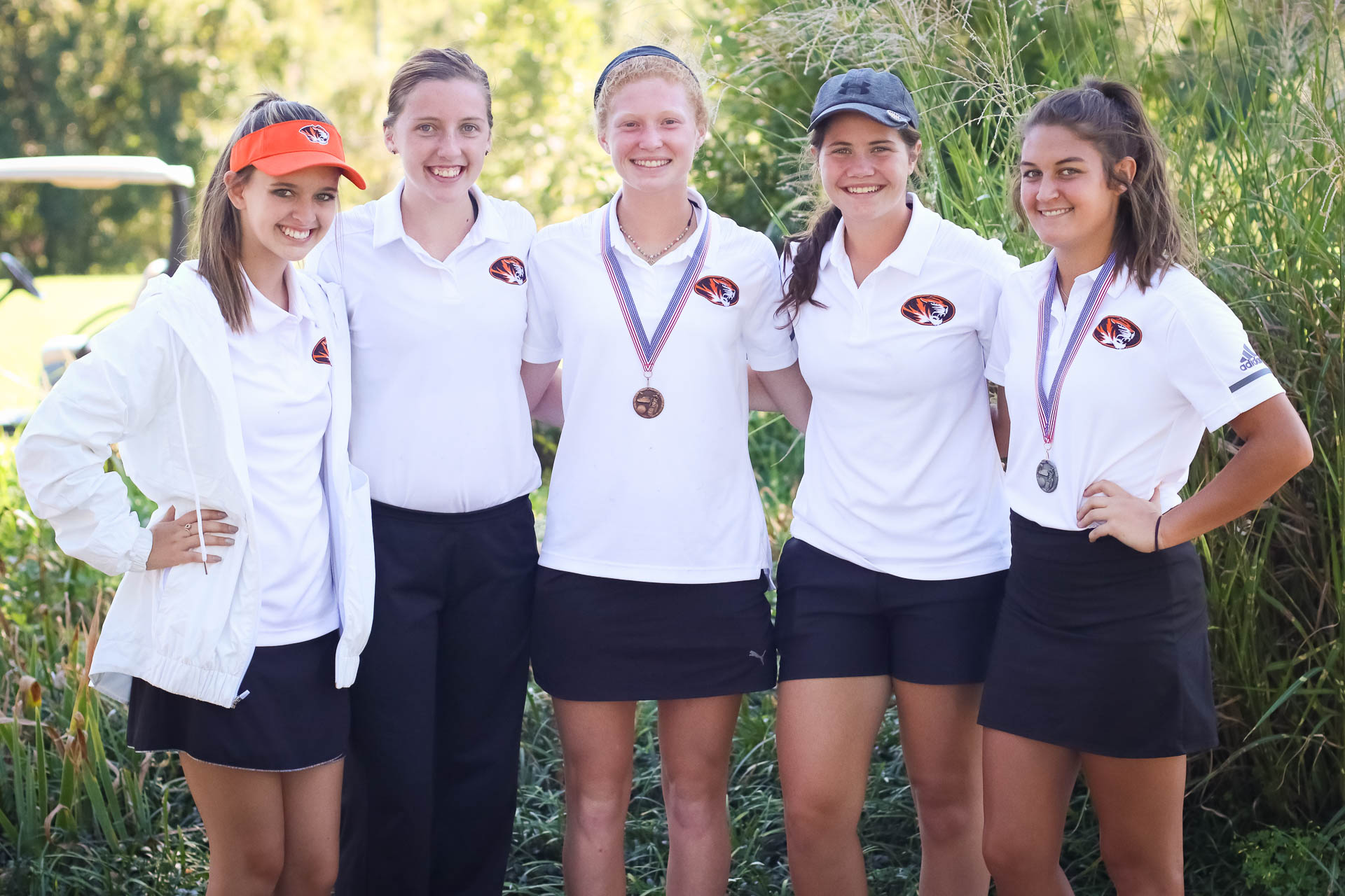 White, Fronabarger Lead Republic At COC Golf