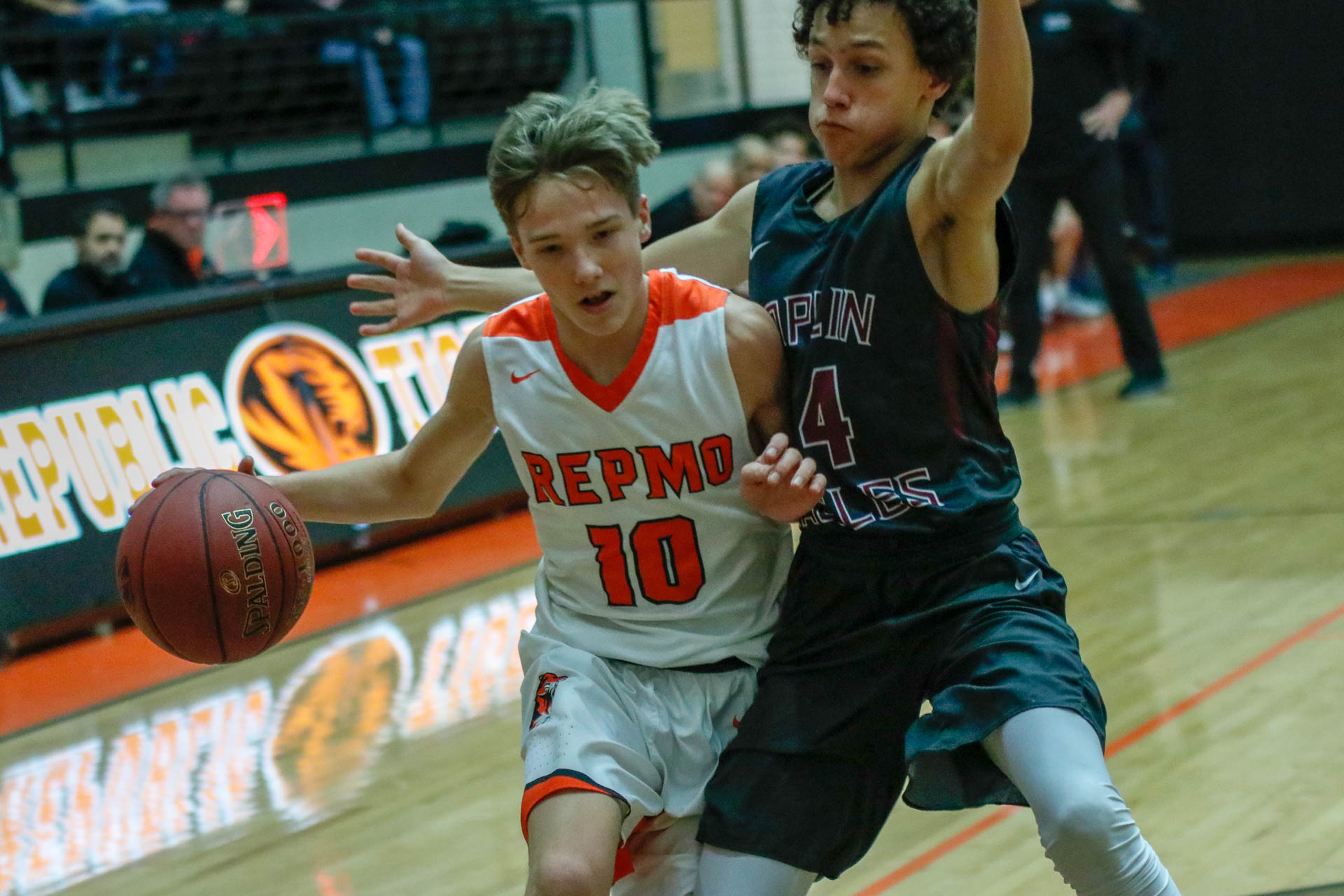 Tigers Push Past Eagles For Courtwarming Win