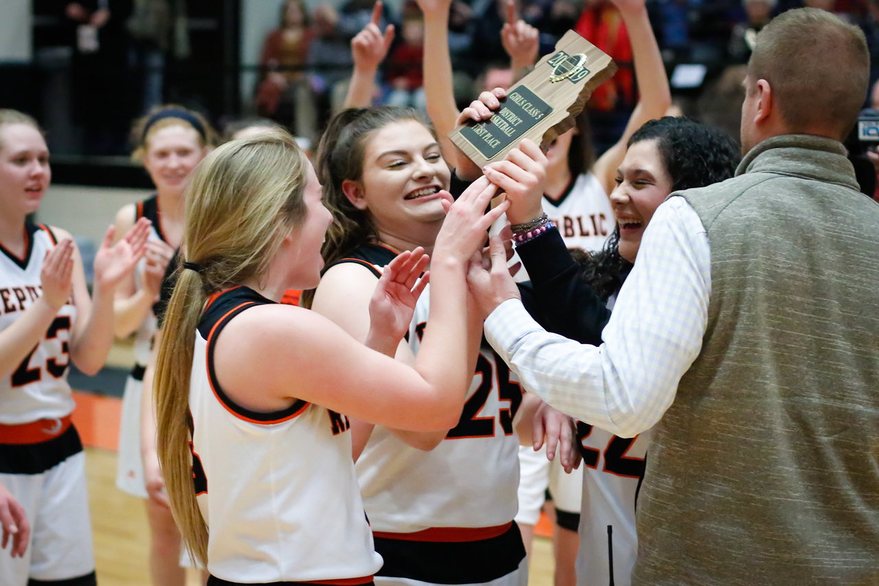 Photos:  Girls Basketball Vs Willard (Districts)