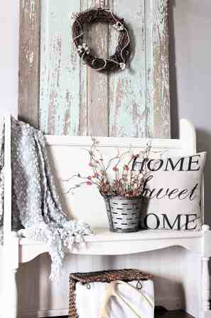 ENTRYWAY WITH FALL TOUCHES