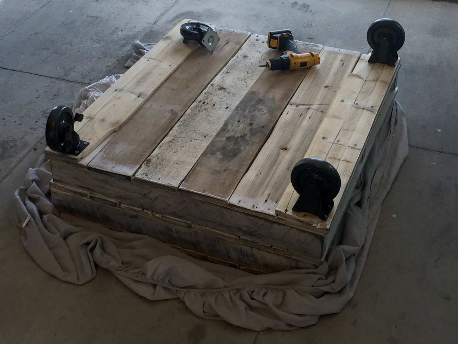 pallet coffee table 9