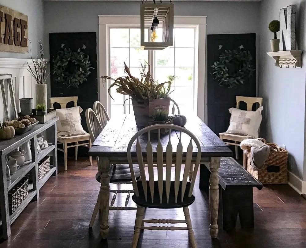farmhouse dining room with fall decor
